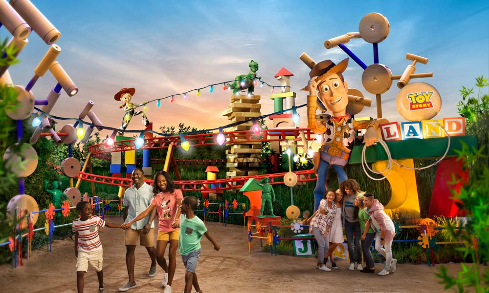 Disney Gallery Toy Story Land
