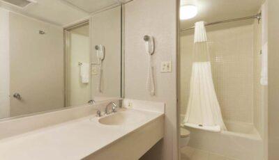 Hotel-Ramada-Gateway-05